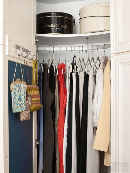 A small closet using uniform huggable hangers